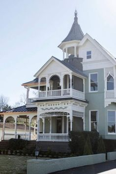 Lebanon Tennessee, Historical Architecture, Beautiful Architecture, Historic Homes, Victorian Homes, Bed And Breakfast, Old Houses, House Tours, Mansions