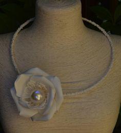 Corso collana rosa panno lattice e perle