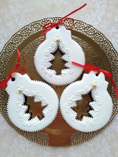 Cookies by Gingerland. Christmas Biscuits, Christmas Sugar Cookies, Christmas Desserts, Christmas Treats, Christmas Baking, Christmas Cupcakes, Gingerbread Cookies, Christmas Decorations, Christmas Ornaments