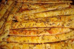 Úžasné domácí křupky z brambor za pár minut hotové k televizi recept Romania Food, Romanian Desserts, Romanian Recipes, Unique Recipes, Ethnic Recipes, Russian Dishes, Pastry And Bakery, Food Places, Winter Food