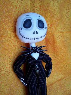 Guarda questo articolo nel mio negozio Etsy https://www.etsy.com/it/listing/564603143/fabric-doll-inspired-jack-skeleton