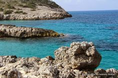 Walking from Limnionas to the Mia river in Kefalos |Discovering Kos and the surrounding islands http://www.discoveringkos.com/2014/05/walking-from-limnionas-to-mia-river-in.html