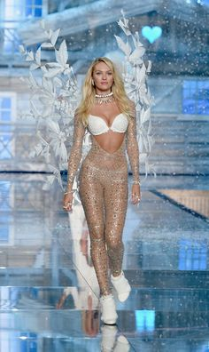 Model and Victoria's Secret Angel Candice Swanepoel from South Africa walks the runway during the 2015 Victoria's Secret Fashion Show at Lexington Avenue Armory on November 10, 2015 in New York City.
