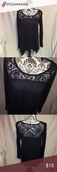 Hollister shirt Women's hollister long sleeve top size large. Navy blue in color. Perfect condition worn once! Longer shirt perfect for leggings! Hollister Tops Blouses