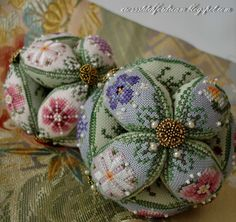 I ❤ embroidery . Twilight Pearls Leaf Ball pinkeep (translated) with instructions: Embroidered bal-l Just Nan Leafball - Design - Case and author page - National Textbook embroidery - zlataya: EMBROIDERY seriously and joy. Ribbon Embroidery, Cross Stitch Embroidery, Embroidery Patterns, Cross Stitch Patterns, Felt Pincushions, Cross Stitch Finishing, Sewing Accessories, Sewing Notions, Stitch Design