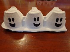 Three Ghost Friends: Three Ghost Friends Egg Carton Ornaments. Easy recycle craft.    #kids #Halloween #kidscrafts #recycle #recyclecrafts