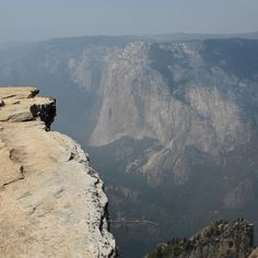 Taft Point.  Probably my favorite place in Yosemite. I have a thing for cliffs. Standing on the edge and that little bit of adrenaline running through your blood. Best feeling in the world.  Bonus : There was nobody else except a crow.  #roadtrip #memories #yosemite #nationalpark #cliff #taftpoint #california #travel #1picaday #standingontheedge