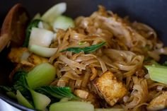 replace tofu with chix + my favorite veg = delicious easy to make thai food