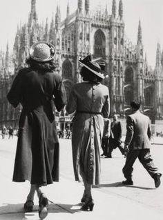 Italian Vintage Photographs ~ #Italy #Italian #vintage #photographs ~ Giancolombo (1921-2005) Milano 1947.