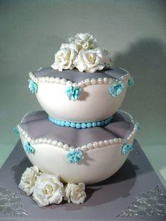 Colette - a unique wedding cake/ een unieke bruidstaart