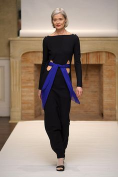 I like this idea, make a simple black (white or gray ) jumpsuit visually interesting by cutting 2 holes by the waist and running a silk or chiffon sash through it ! This design is by Adeline Andre, one of the members of the Chambre Syndicale de la Haute Couture, France