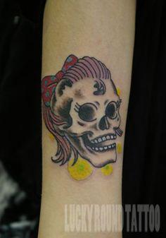 LUCKY ROUND TATTOO, Osaka Japan / Rockabilly girl skull
