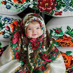 Russian beauty for everyone. Cute Little Baby, Little Babies, Cute Babies, Baby Kids, Beautiful Children, Beautiful Babies, Beautiful People, Baby Pictures, Baby Photos