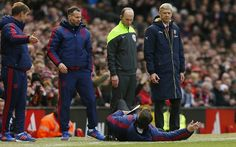 Man Utd news: Louis van Gaal's comical Old Trafford dive was textbook judo move says old foe Guus Hiddink