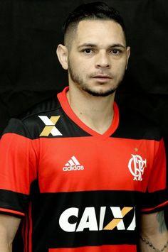 Números do Pará pelo Flamengo:  71 Jogos Oficiais 3 Gols 11 Assistências 10 Cartões Amarelos e 1 Vermelho