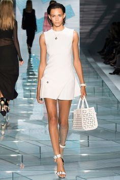 Versace Spring 2015 RTW – Runway – Vogue #mfw #style