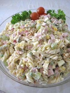 Kinkkupastasalaatti Love Food, A Food, Food And Drink, Avocado Salat, Food Carving, Cooking Recipes, Healthy Recipes, Food Goals, Food Inspiration