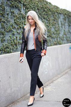 Sarah Harris, Fashion Features Director at Vogue UK, before the Bottega Veneta fashion show. Sarah Harris, Street Look, Street Chic, Street Fashion, Black Leather Bomber Jacket, Leather Jackets, Minimalist Street Style, Navy Dress Pants, Black Pants