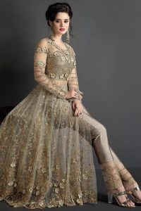 Looking for Bridal Anarkali Suits garments online? Shop our UK online store for the latest from Bridal Anarkali Suits at Omsara. Bridal Anarkali Suits, Pakistani Bridal Dresses, Pakistani Dress Design, Pakistani Outfits, Desi Wedding Dresses, Indian Wedding Gowns, Wedding Wear, Shadi Dresses, Indian Gowns Dresses
