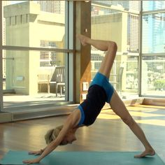 Who says CrossFit and yoga don't go together? Get the best of both worlds with this uber-fun video :)