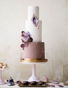 #weddingcake #pie#wedding - Call Me Madame - A French Wedding Planner in Bali - www.callmemadame.com