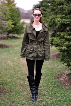 Chilly spring day. Green & black outfit. http://www.sidewalkstrut.com/