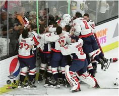 Washington Capitals 2018 NHL Stanley Cup Champions Team Celebration 8x10  Photo 2 d7f9d7dc2