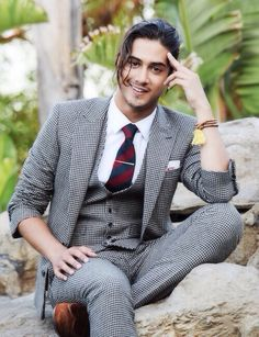 Avan jogia. Boy do i want his outfit..