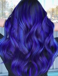 Blue and purple hair colors always dominat the world of hair colors. To create some stunning hair looks here we have listed few stunning hair color blends! Bright Purple Hair, Vivid Hair Color, Dyed Hair Purple, Vibrant Hair Colors, Cute Hair Colors, Hair Color Purple, Hair Dye Colors, Hair Color For Black Hair, Cool Hair Color