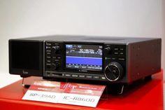 Icom IC-R8600 communications receiver.
