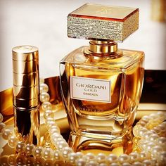 Oriflame Beauty Products, Oriflame Cosmetics, Independence Day Offers, Beauty Skin, Hair Beauty, Oriflame Business, Cosmetic Companies, Perfume Bottles, Skin Care