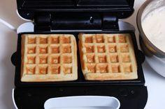 Рецепт венских вафель в вафельнице / Меню недели Waffle Recipes, Cake Recipes, Dessert Recipes, Photo Food, Waffle Iron, Sweet Life, Breakfast Recipes, Food And Drink, Cooking Recipes