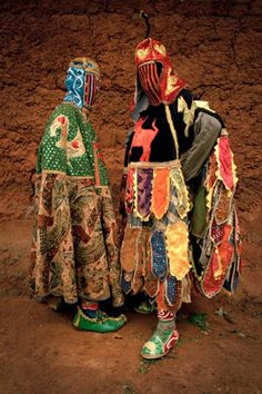 Sensational masquerade costumes of the Yoruba in West Africa. Portraits by Leonce Raphael Agbodjélou Religions Du Monde, Cultures Du Monde, World Cultures, Ying Y Yang, Tableaux Vivants, Yoruba People, Mode Costume, Contemporary African Art, Photo Portrait