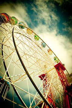Ferris Wheel by borninnovember