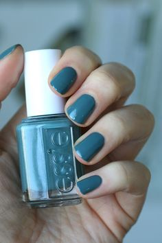 Essie Spring 2016 - Lounge Lover Collection | Essie pool side service