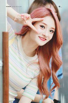 I.O.I. Jieqiong South Korean Girls, Korean Girl Groups, Ioi Nayoung, Pledis Girlz, Jung Hyun, Kpop Girls, Female, Fashion, Moda