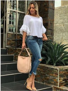 Me encantan estos 50 Looks con Jeans de Moda para Mejorar tu Estilo - blusas hermosas Latest Fashion Dresses, Fashion Outfits, Fashion Ideas, Fashion Styles, Style Fashion, Fashion Top, Dress Fashion, Teen Jeans, Moda Jeans