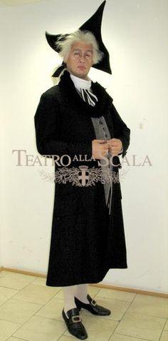Gabor Bretz, costumi di Jean-Pierre Ponnelle, regia di Jean-Pierre Ponnelle ripresa da Lorenza Cantini, Teatro alla Scala, Milano, 2010.