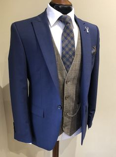 Wedding Suit Hire For Men & Tailoring Country wedding inspo Country Wedding Attire, Rustic Wedding Suit, Rustic Groom, Country Weddings, Wedding Suit Hire, Wedding Tux, Tweed Wedding Suits, Brown Suit Wedding, Groom Outfit