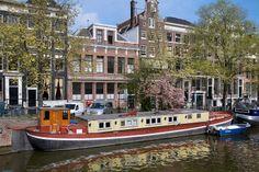 http://commons.wikimedia.org/wiki/File:Amsterdam_-_Boathouse_-_0626.jpg