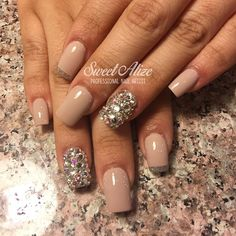 Color change on #promnails for @yeyaa_13  #Swarovski #blingbling #battlemountain #prom #edwardsco #vail #vailvalley #minturn #gypsum #acrylicnails #gelnails #fakenails #solarnails LIKE >> facebook.com/ManiPedi