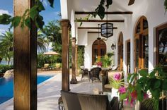 Traditional Outdoor Space by Marjorie Shushan in Bal Harbour, Florida