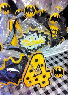 Batman Cookies Batman Cookies, Party Ideas, Marvel, Comics, Halloween, Decor, Dekoration, Decoration, Ideas Party