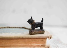 such a cute Scottie on a necklace