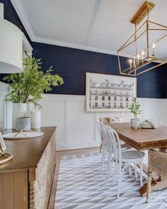 Our Navy Dining Room Sharing our Navy Wallpapered Dining Room! Grass cloth wallpaper, farmhouse table, small dining room Our Navy Dining Room Sharing our Navy Wallpapered Dining Room! Dining Room Blue, Luxury Dining Room, Dining Room Walls, Dining Room Lighting, Living Room Grey, Dining Room Design, Wall Paper Dining Room, Wallpaper In Dining Room, Navy Dining Chairs