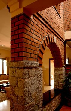 Centre for Vernacular Architecture Trust :: Gallery Brick House Designs, Bungalow House Design, Brick Design, Tiny House Design, Indian Main Door Designs, Indian Home Design, Kerala House Design, House Construction Plan, Construction Design