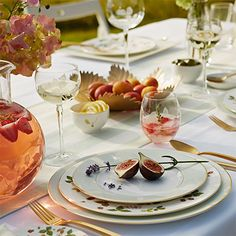 Shop the Official Wedgwood Online Store for luxury fine bone china crockery, dinner sets, home décor, jasperware & beautiful gifts. Bone China Dinnerware, Dinnerware Sets, Place Settings, Table Settings, Town And Country Magazine, Wild Strawberries, Wine Parties, Al Fresco Dining, Wedgwood
