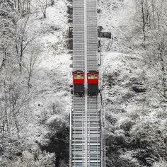 Duquesne Incline in Pittsburgh, PA Pittsburgh City, Pittsburgh Steelers, Pittsburg Pa, Beyond The Sea, Snowy Day, Pennsylvania, Adventure Travel, Places To See