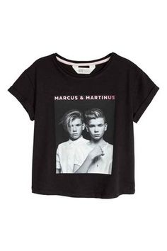 T-shirt with Printed Design - Black/Marcus & Martinus - Kids Dream Boyfriend, White Hoodie, Hoodies, Sweatshirts, T Shirts, Martini, Cool Outfits, Short Sleeves, Prints