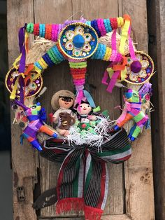 Mexican Christmas Traditions, Mexican Christmas Decorations, Christmas Tree Themes, Christmas Crafts For Kids, Xmas Decorations, Handmade Decorations, Grinch Christmas Tree, Colorful Christmas Tree, Felt Christmas